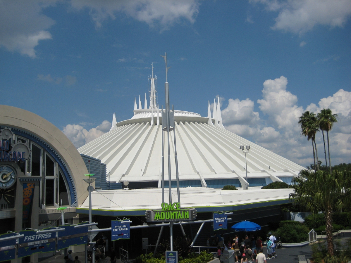 space mountain magic kingdom - 800×600