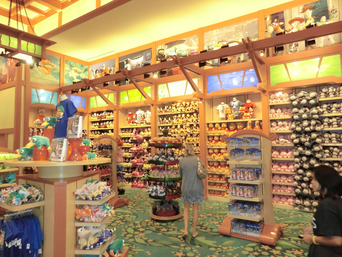 Disney Store Toys : Mouseplanet disneyland resort update by adrienne vincent