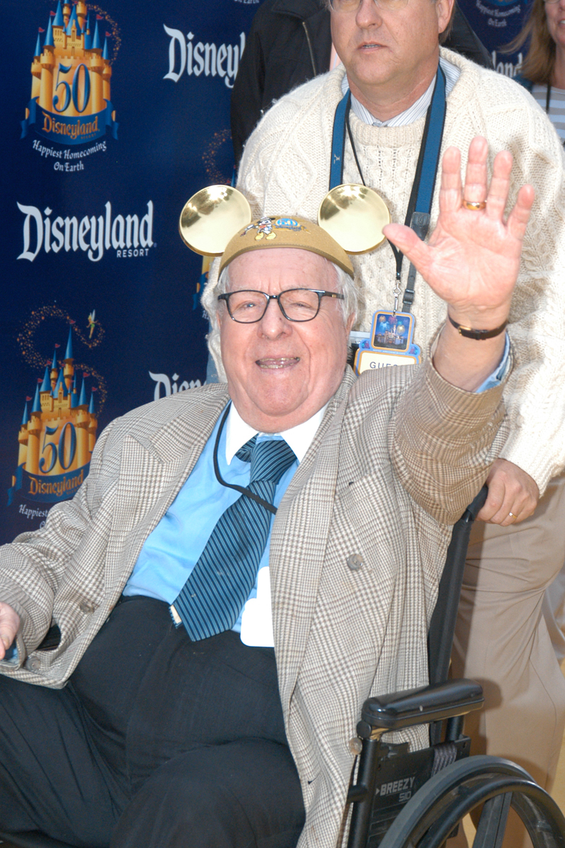 walt s friend ray bradbury by jim korkis ray bradbury celebrates disneyland s 50th anniversary at a 2005 event photo by frank anzalone