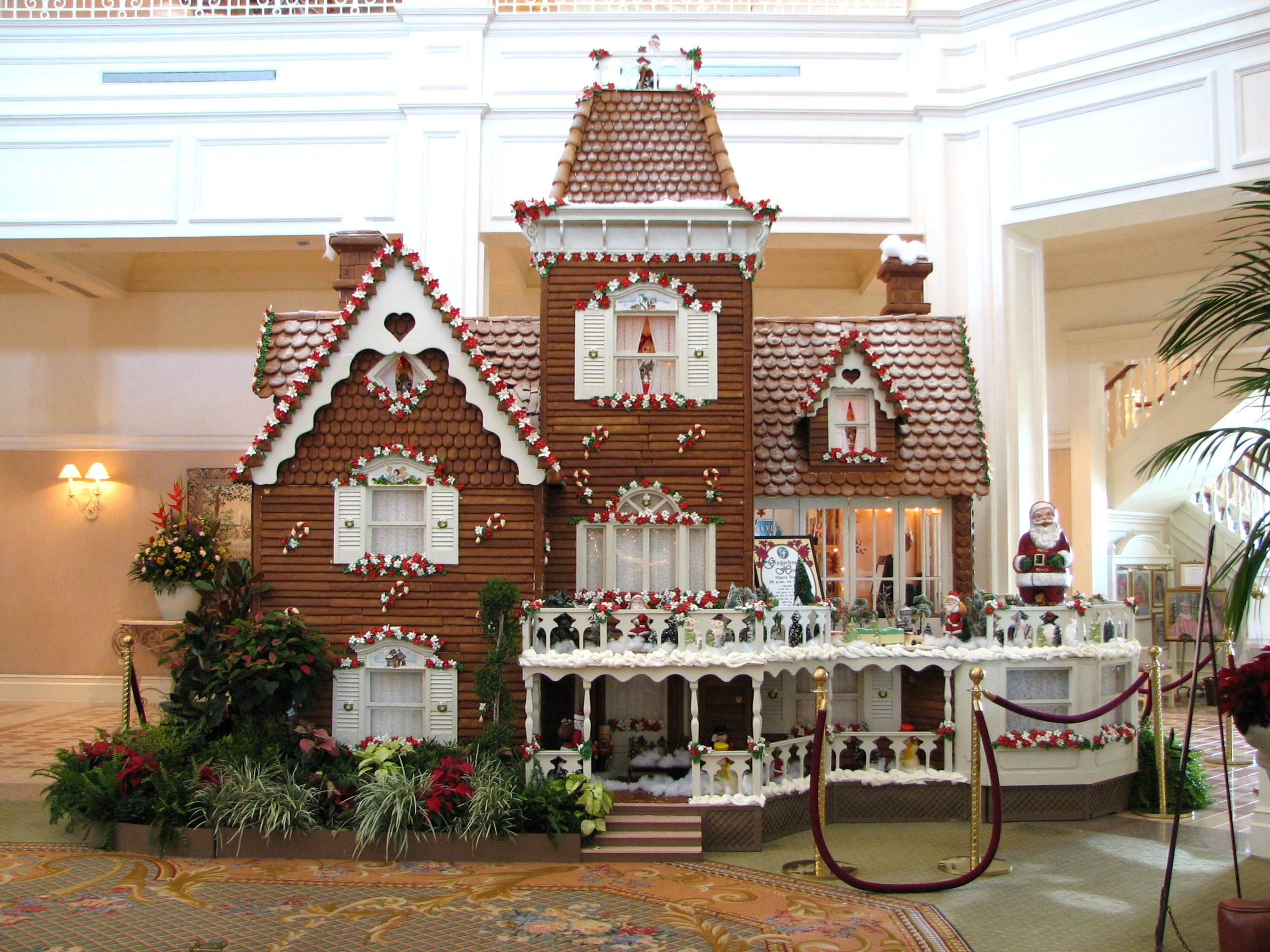 12 Best Gingerbread Houses Amp Castles For The Holidays