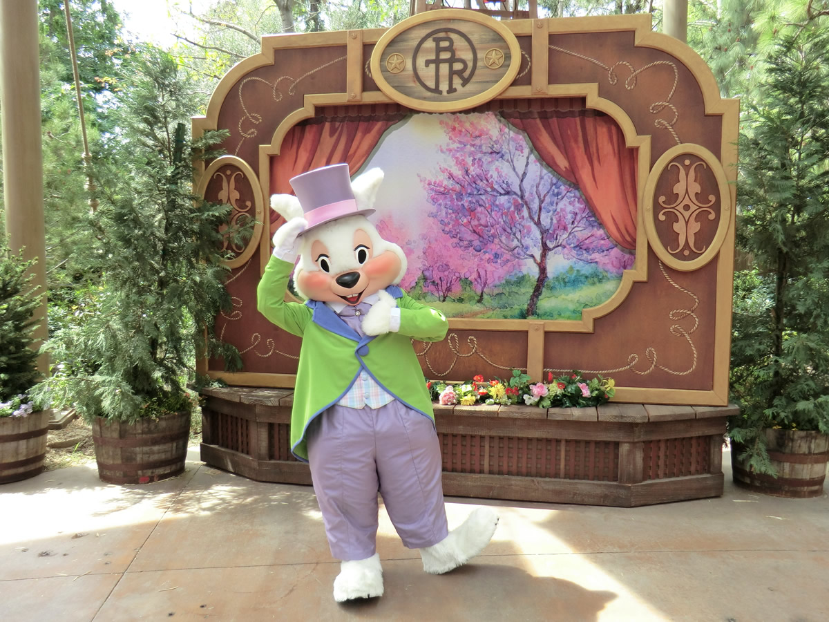 The Easter Bunny Makes An Appearance At Disneylands Springtime Roundup Photo By Adrienne Vincent Phoenix