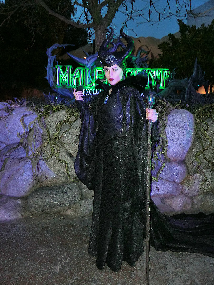 Maleficent has a new updated look for meet and greet page 2 maleficent has a new updated look for meet and greet m4hsunfo