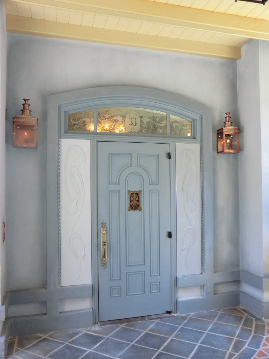 New Orleans Square Disneyland Club 33 Club 33 Reopens