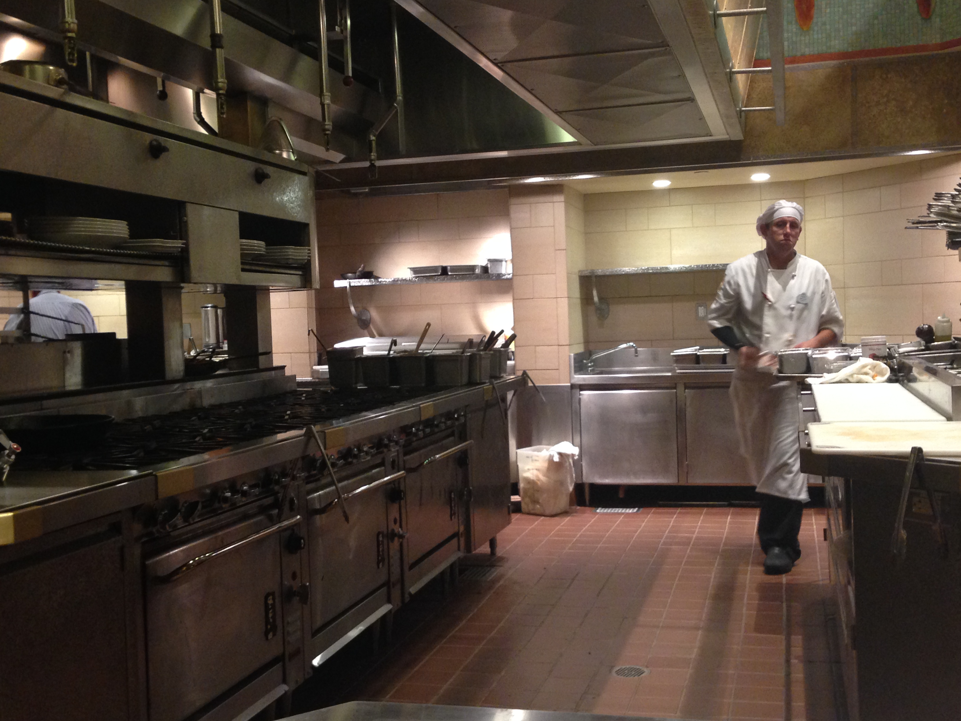 Restaurant Kitchen Work Stations mouseplanet - disneyland resort updateadrienne vincent-phoenix