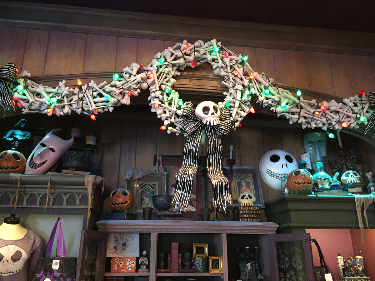Nightmare Before Christmas Decorations At Disneyland Mouseplanet ...