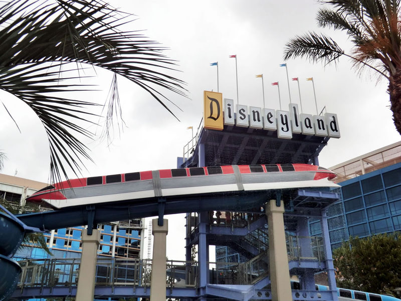 Disneyland Resort cancels hotel reservations through October 24