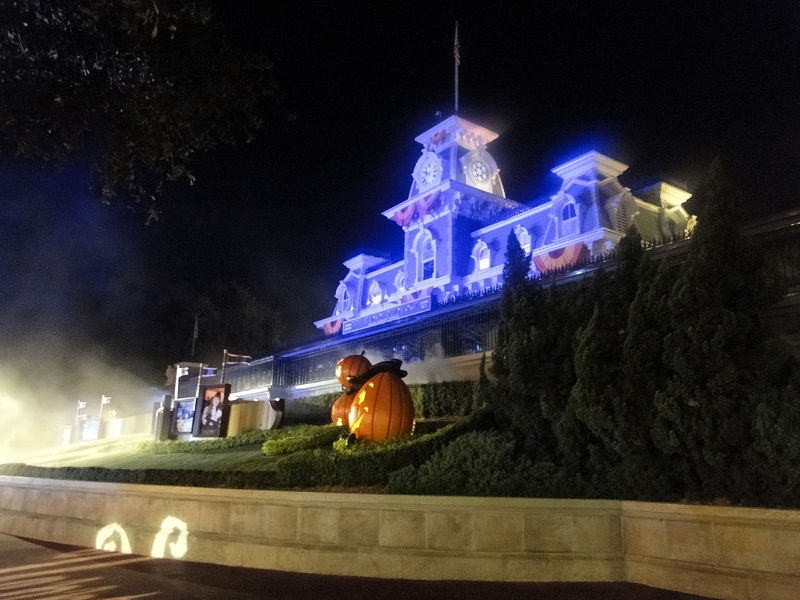 Mickey's Very Early Halloween Party