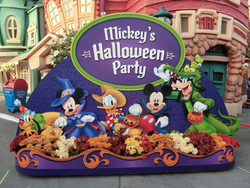 Disney Halloween Parties with the Kids