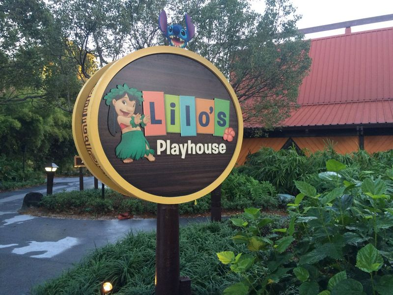 Using Babysitters and Kids Clubs on Disney Theme Park Vacations