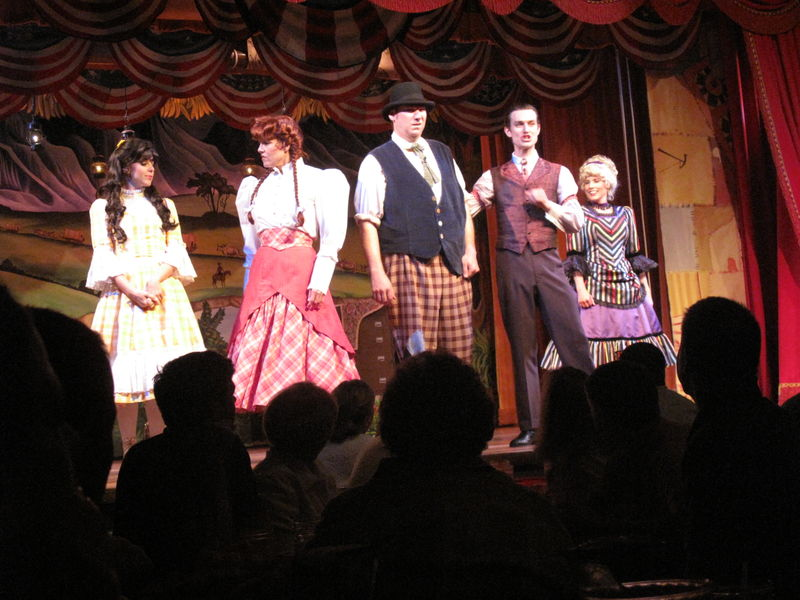 Yee Ha! Old-Fashioned Fun at the Hoop-Dee-Doo Musical Revue
