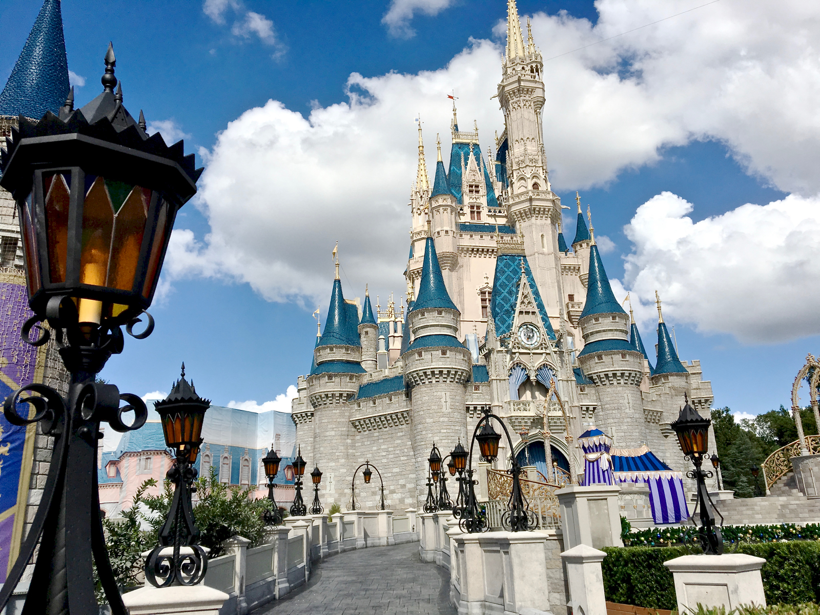 Mouseplanet walt disney world resort update for november 9 16 the new guest approaches to cinderella castle at magic kingdom are nearly complete adorned with fantasyland inspired antique looking light fixtures arubaitofo Choice Image