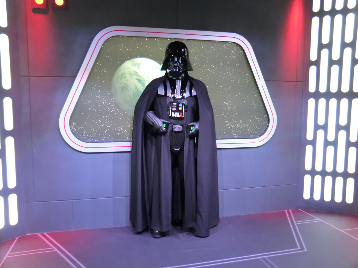 Mouseplanet disneyland resort update season of the force by darth vader waits for visitors in the disney visa cardholder exclusive meet and greet inside the star wars launch bay kristyandbryce Choice Image