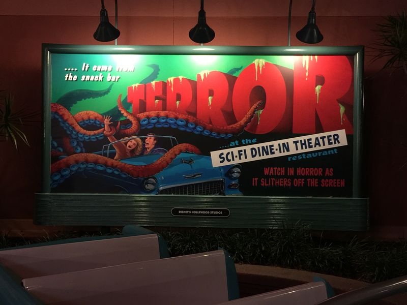 The Sci-Fi Dine-In Theater Restaurant Review - It's out of this world