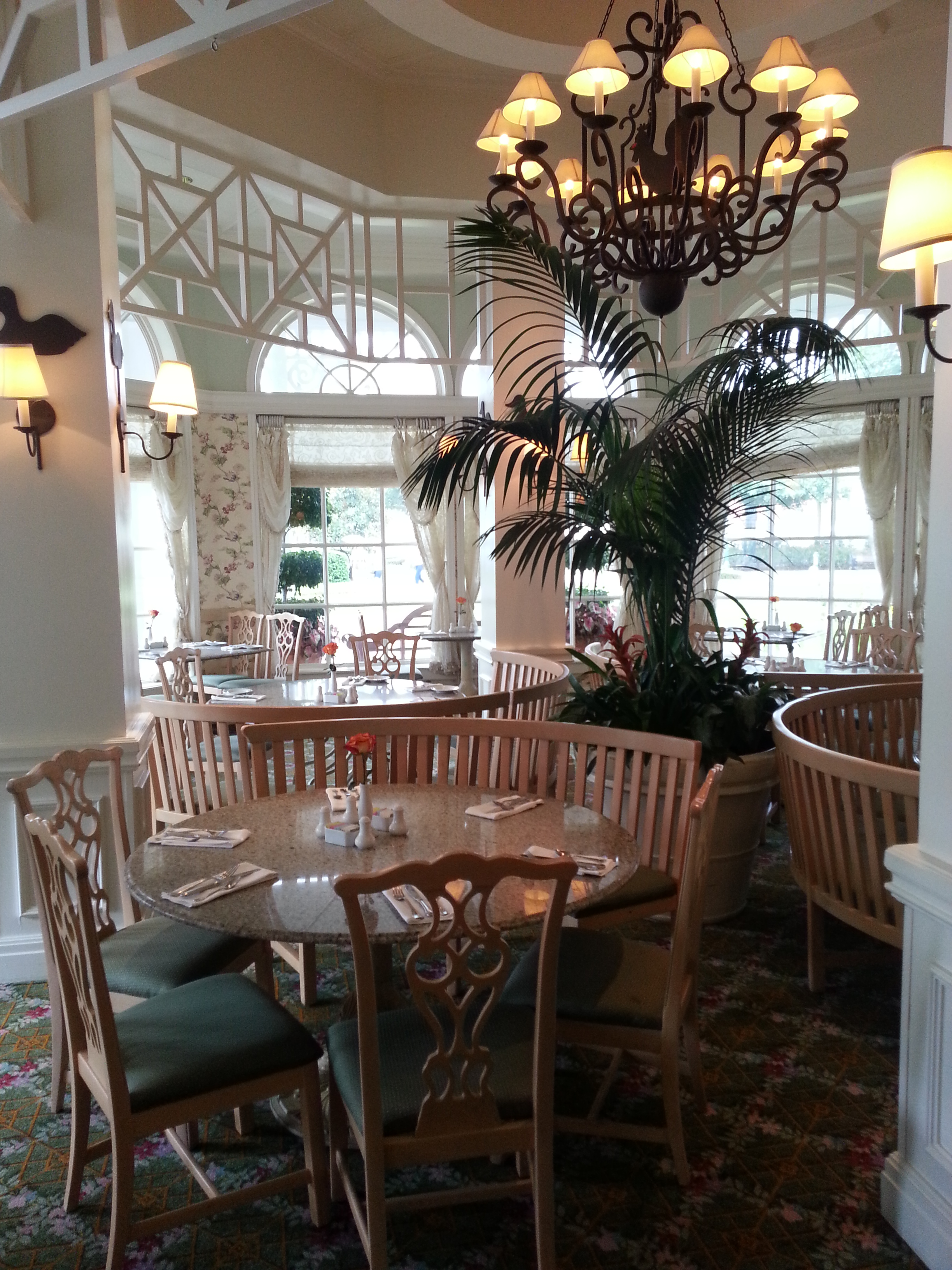 The Chandelier, Cozy Furniture, And Beautiful Views Delight At The Grand  Floridian Cafe. Photo By Donna Fesel.