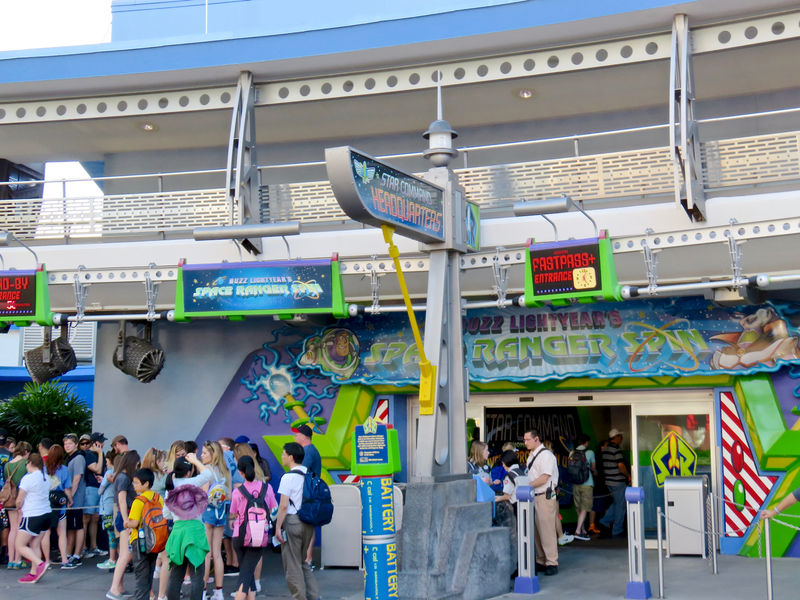 My Disney Top 5 - Things to Love About Buzz Lightyear's Space Ranger Spin