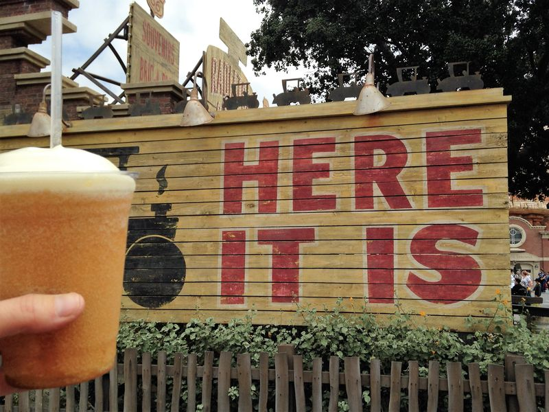 Sipping Into Summer: Disneyland Resort Drinks