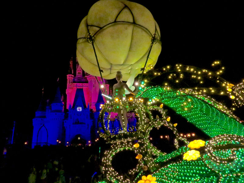 Main Street Electrical Parade to end run at Walt Disney World; return to Disneyland