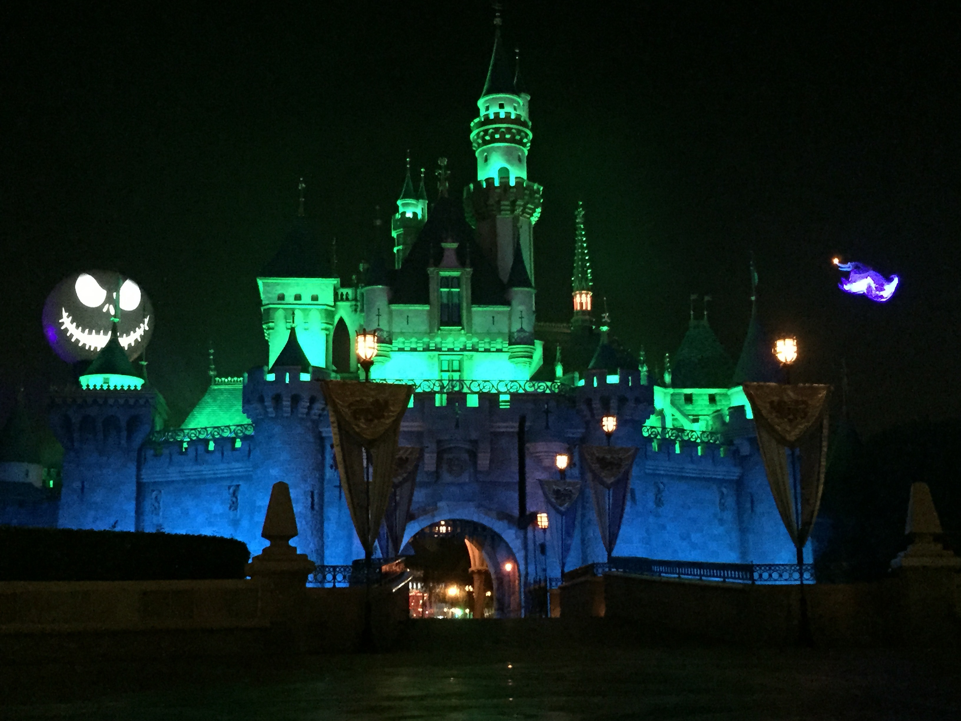 Mouseplanet - Celebrating Halloween at Disneyland by Megan Walker