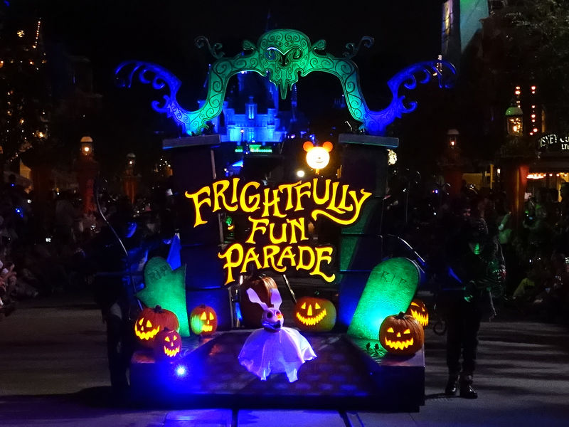 Make the most of Mickey's Halloween Party at Disneyland - 2016 edition