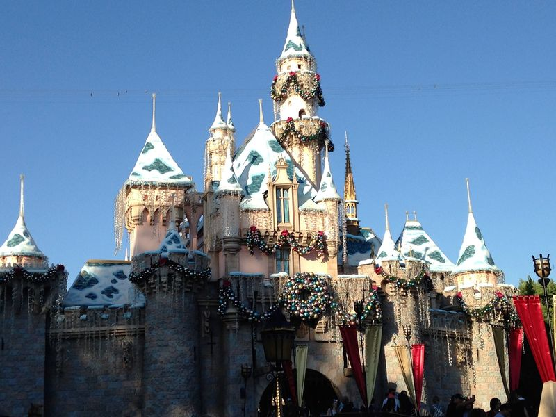 'Holiday Time at the Disneyland Resort' Tour
