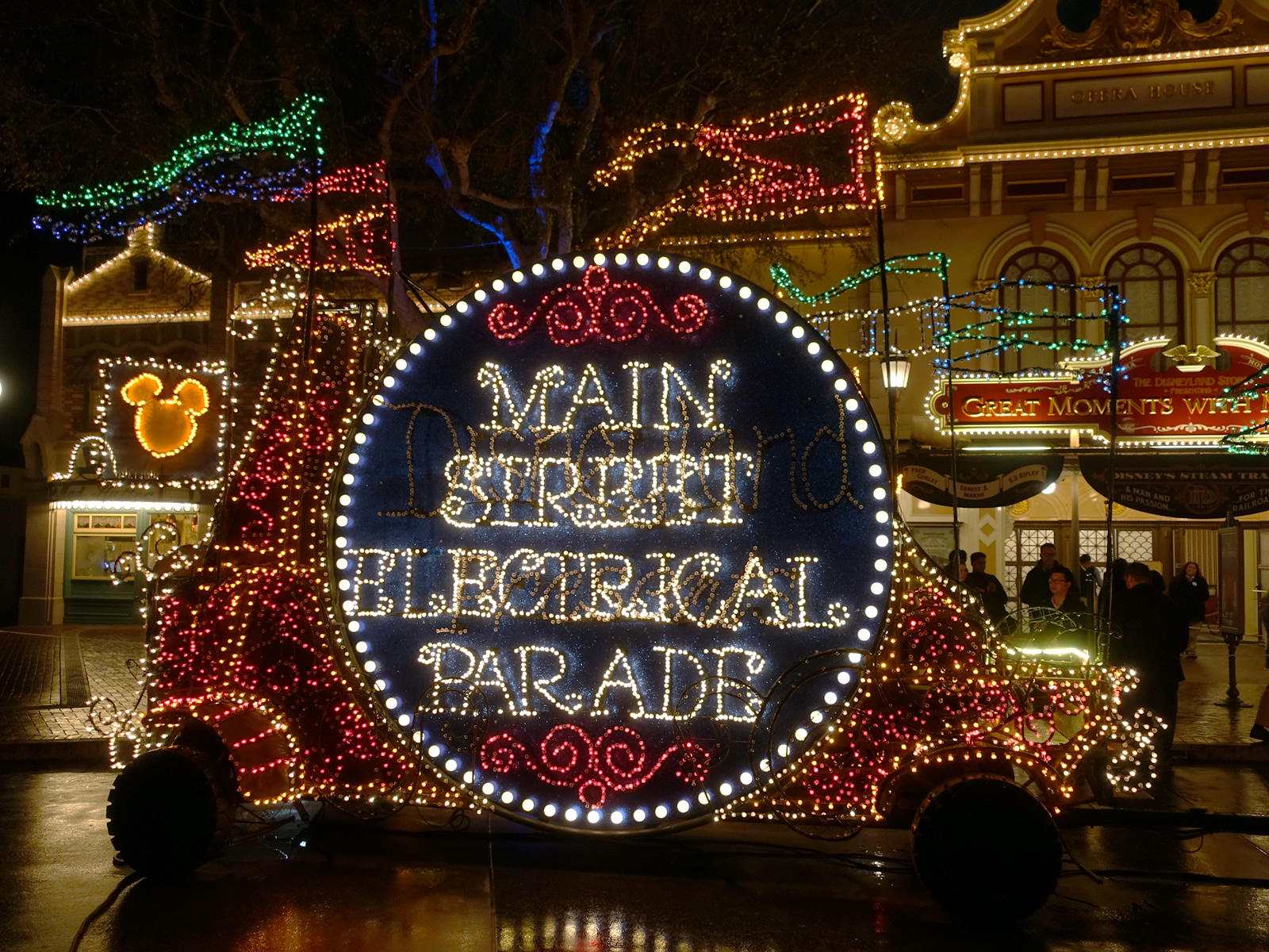 disneylands new parade policy will help reduce your wait for the main street electrical parade mouseplanet file photo - When Does Disneyland Decorate For Christmas 2017