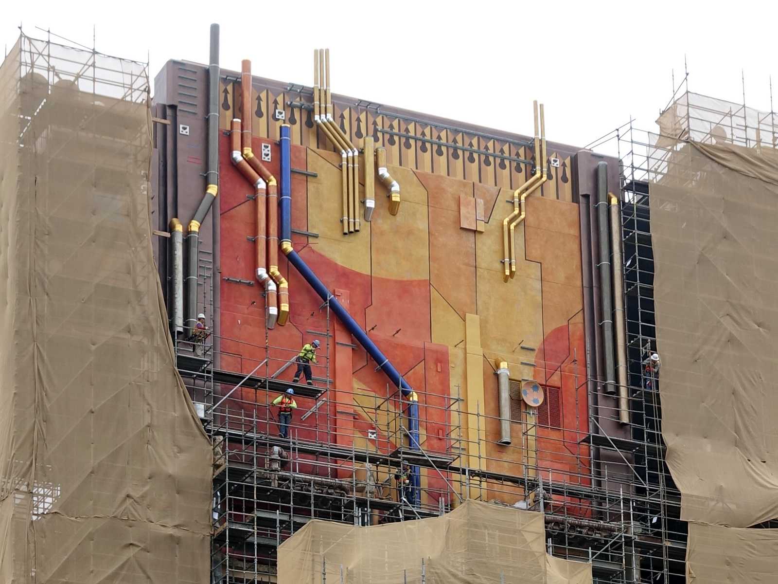 Pipes and satellite dishes accent the metallic motif of the Guardians of the Galaxy exterior