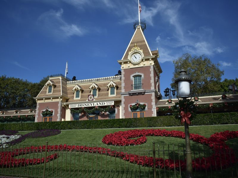 Holiday Photo Ops Throughout the Disneyland Resort