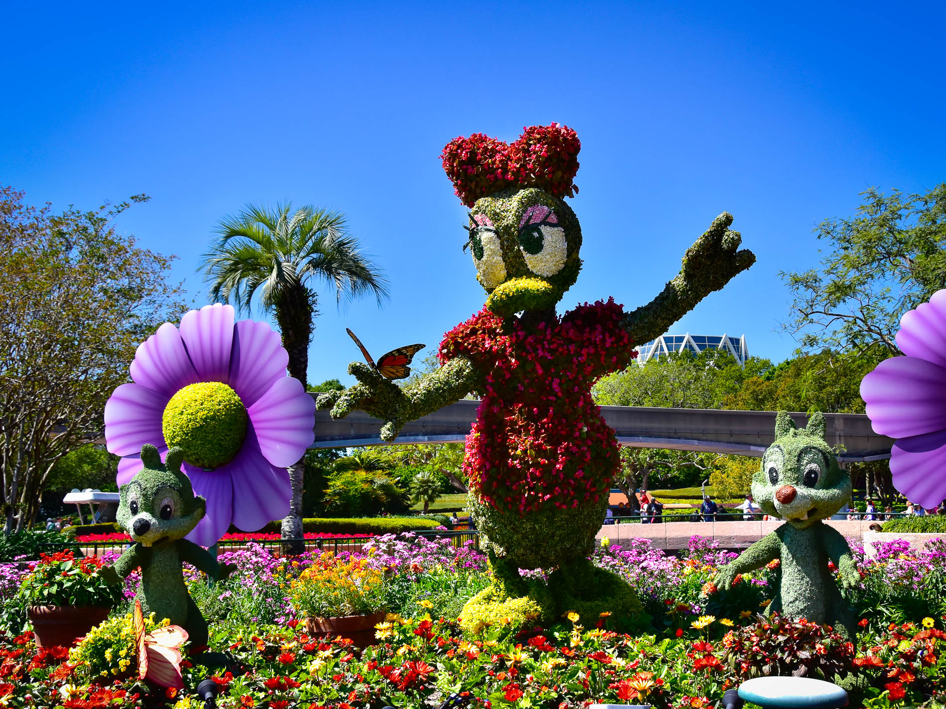 mouseplanet - topiaries at the epcot flower & garden festival: a