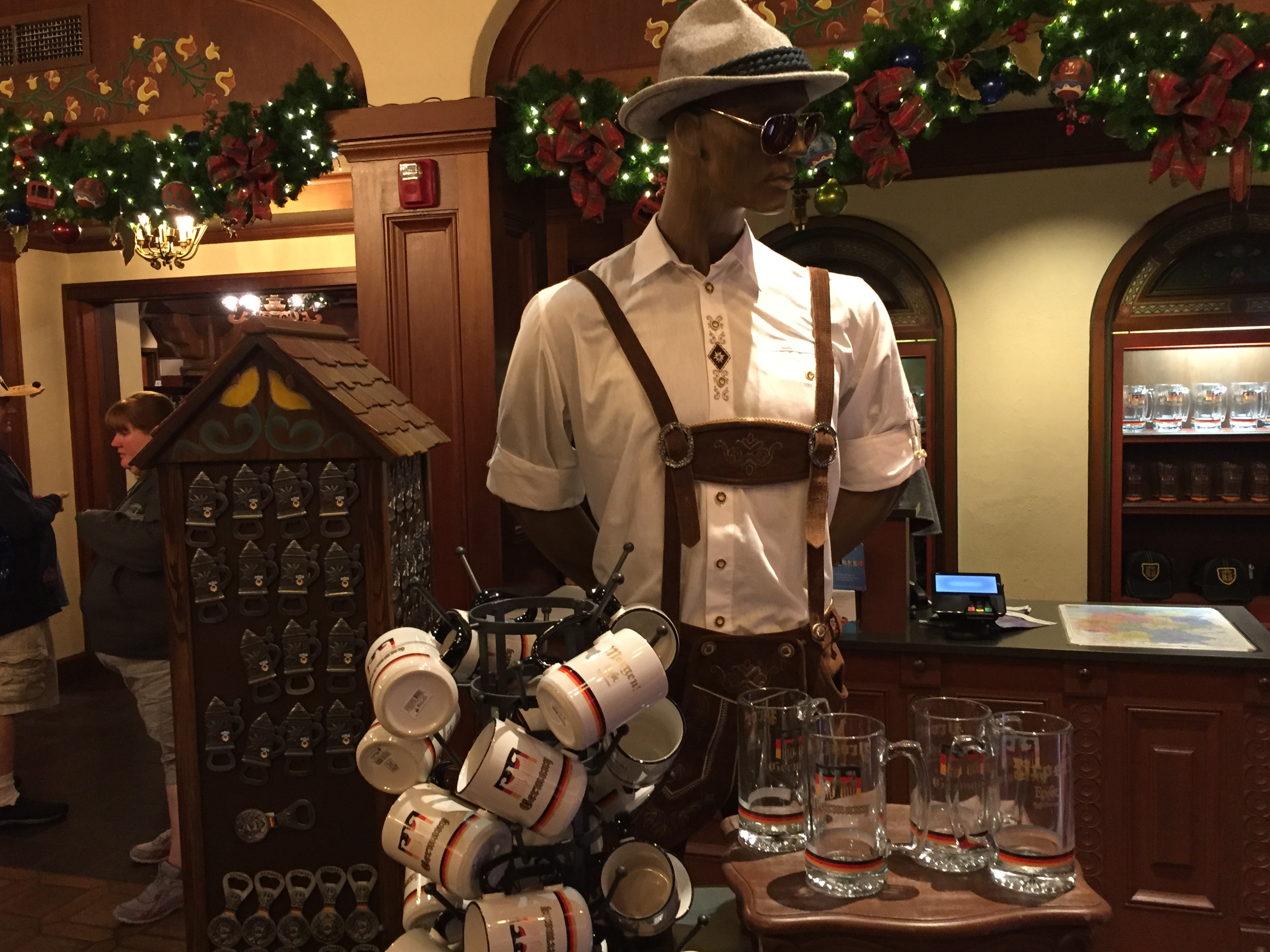 Mouseplanet - Willkommen to the Shoppes at Epcot\'s German Pavilion ...