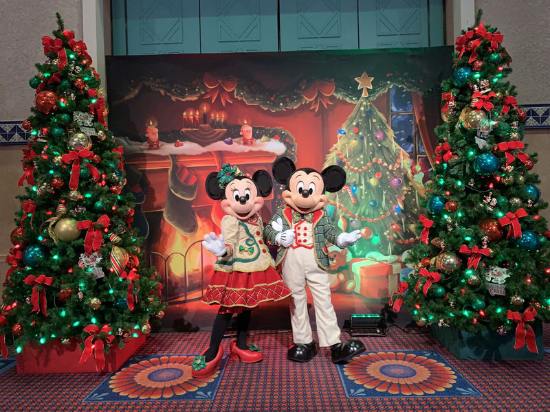 Mickeys Very Merry Christmas Party 2019.Mouseplanet Mickeys Very Merry Christmas Party Category