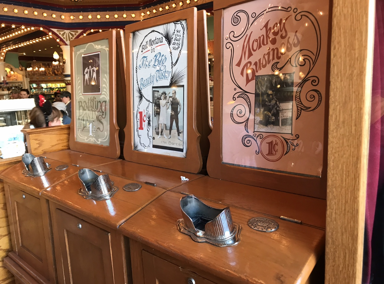 Mouseplanet - Got a Quarter or Two? by Lisa Stiglic