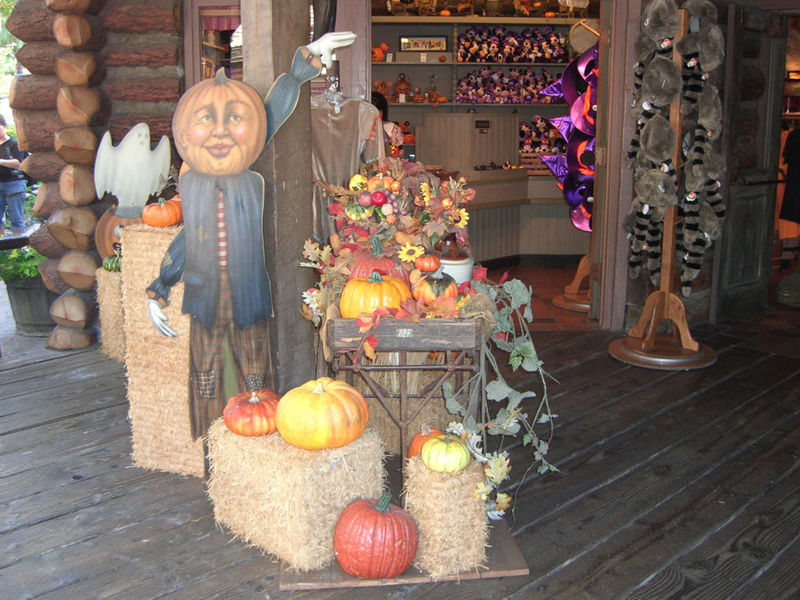 A slightly creepy Halloween display in front of Frontierland Mercantile. Photo by Adrienne Vincent-Phoenix.