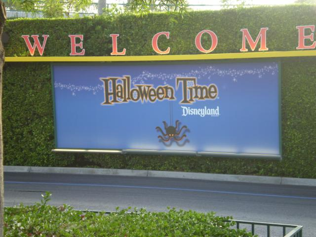 """""""Welcome"""" sign at the Mickey & Friends tram loading area."""