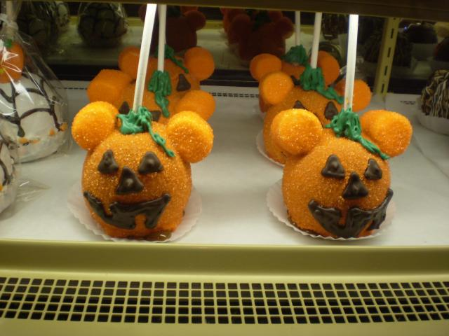 Pumpkin-Mickey head caramel apples at the Critter Country candy shop. Photo by Shoshana Lewin.