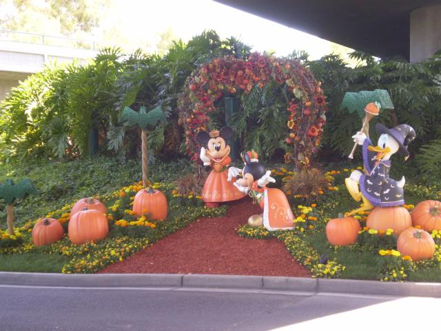 Minnie is the Queen of Halloween in this lawn display visible from the Mickey & Friends tram. Photo by Shoshana Lewin.