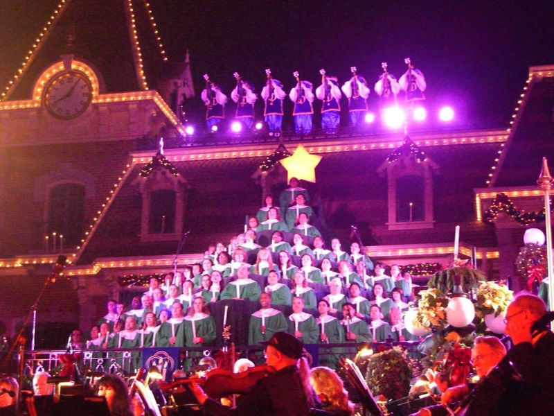 2013 Disneyland Candlelight Processional Guide