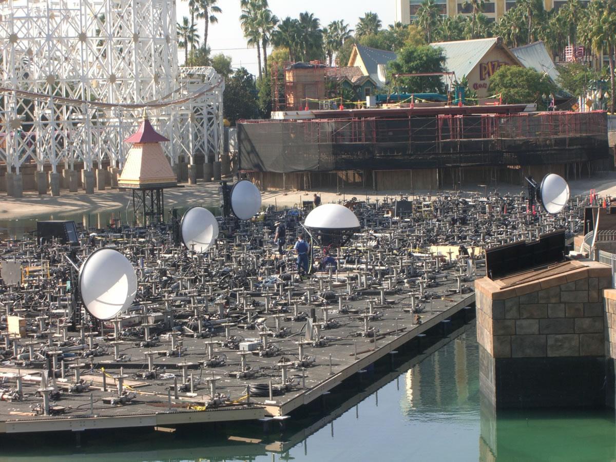 White half-domes dot the platform. Photo by Adrienne Vincent-Phoenix.